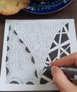 """Schwarz-Weiß-Zeichnung im """"Zentangle-Style"""""""
