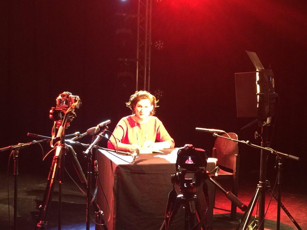 Ferda Ataman bei der Aufnahme ihrer Lesung in der Wabe
